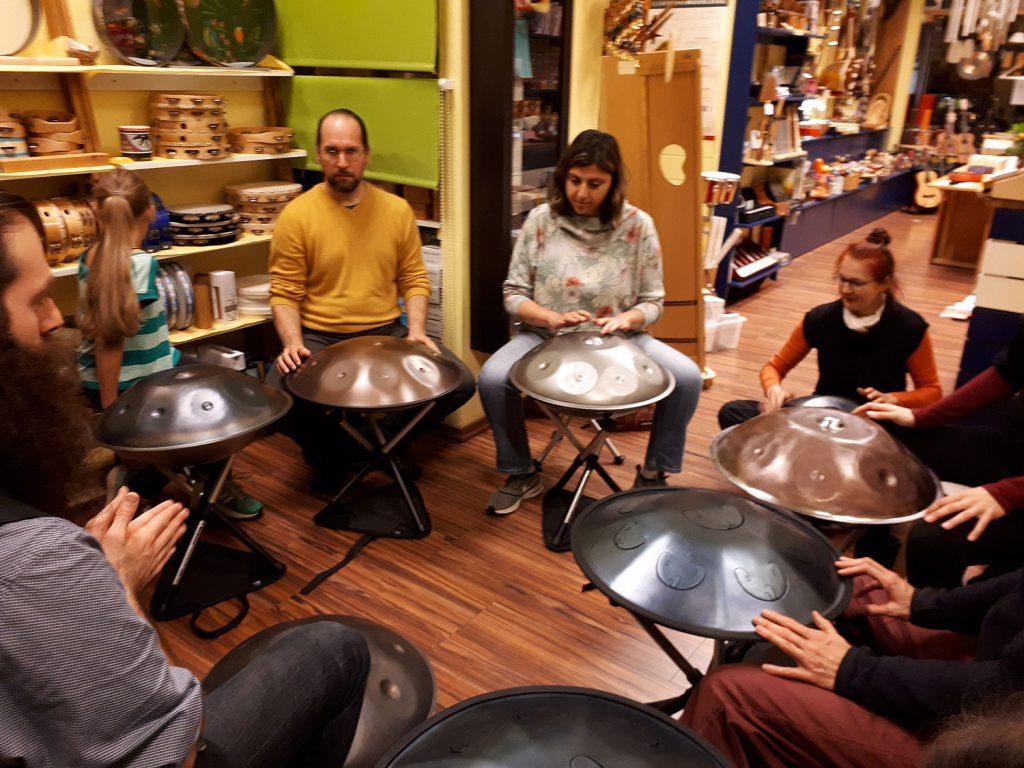 Impressionen von unserem letzten Handpan Workshop im Gandharva Loka Berlin